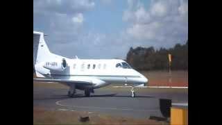 Pouso do Phenom 300 no aeroporto de Patos De Minas/MG