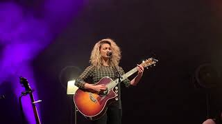 Tori Kelly Mashup live in Orlando The Acoustic Sessions