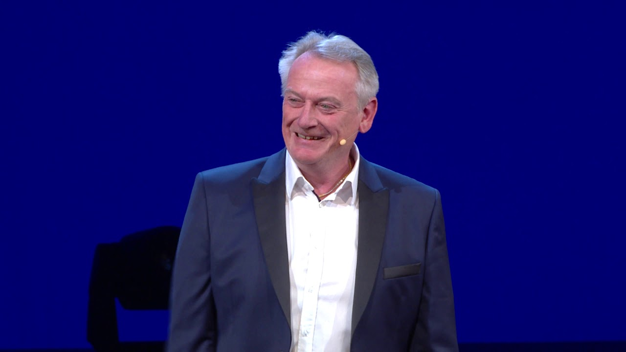 Kids creating the future bank | Chris Skinner | TEDxAthens