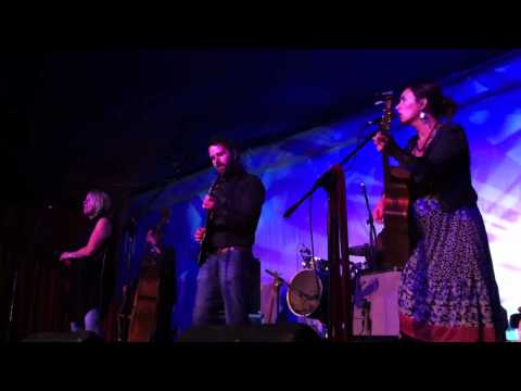 The Waifs - 6000 Miles - Live @ The Blue Mountains Music Festival (March 2011)