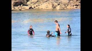 2012 France, Bretagne, Finistère, Perharidy, 7, Jeux d' Eau entre Cousins