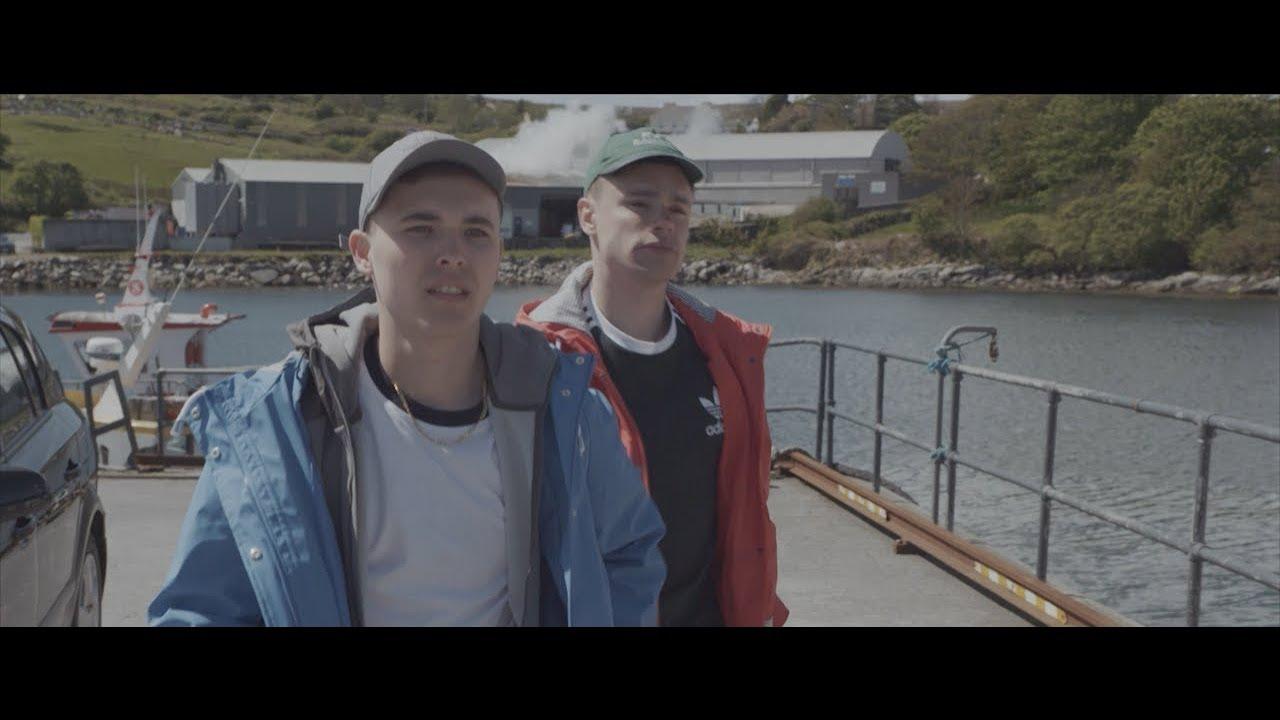 KNEECAP - Tá na Baggies ar an Talamh ft. MC Muipéad (Official Music Video)