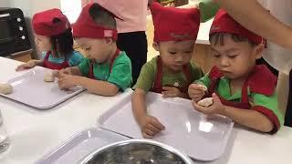 Giờ nội trợ: Bé học làm bánh nướng - Mầm non Hòa Bình