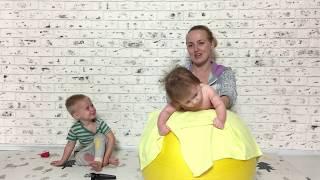 Занятия на фитболе с младенцем. Упражнения на фитболе для новорожденных.