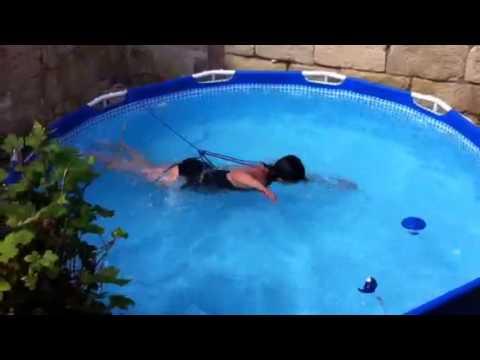 Nager dans une petite piscine juin 2014 youtube - Nager dans une piscine ...