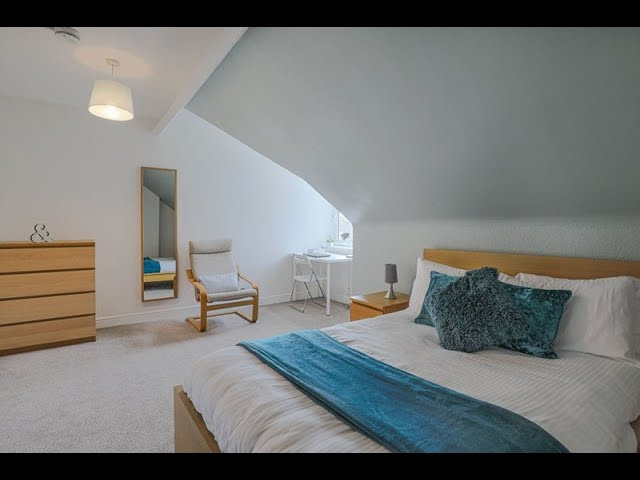 Spacious, Contempory, Double Bedroom ! Main Photo