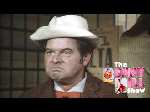 Benny Hill - Fruit Stand 'Closing Chase' (1975)
