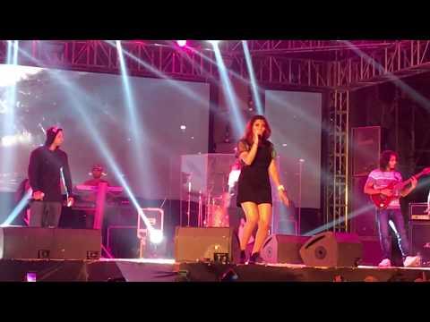 Saat Samundar Paar Main Tere Badshah & Aastha Gill Live