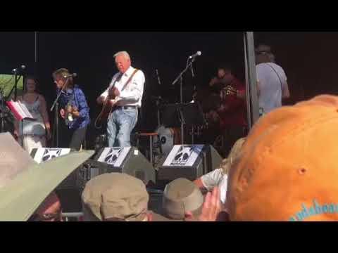 Merlefest 2018 Hillside Album Hour - Tommy Emmanuel guitar solo (with Sam Bush)