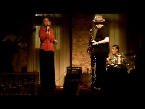 Eduarda Fadini & Jimmy Santacruz Trio - Summertime