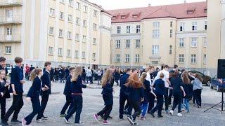 """Dzień tańca w Długoszu - """"belgijka"""" na dziedzińcu"""