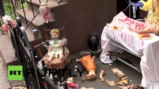USA: Wicked haunted house display riles up the neighbours