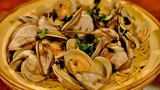 Recipe For Spaghetti With Clams / Spaghetti Alle Vongole In Bianco