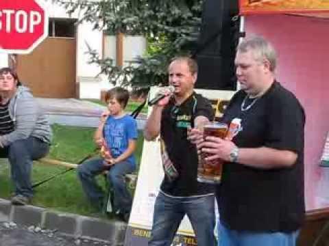 Okrouhlecký tuplák 2011 -  Pití Mázu (2 litry piva) na čas