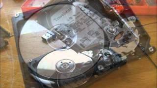 Jak vypadá pevný disk zevnitř? Fotopříběh - vojtaIO
