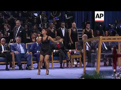 Ariana Grande Performs '(You Make Me Feel Like) A Natural Woman' At Aretha Franklin Funeral Service