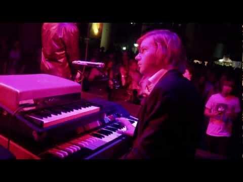 Soul Kitchen (live) - The Doors in Concert