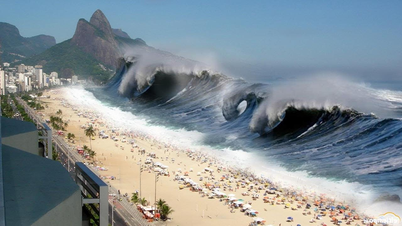 5 Biggest Tsunami Caught On Camera | Doovi