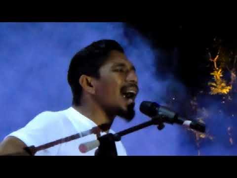 Talent Golden Ticket Indonesian Idol! Rill Adonara (Mirip Iwan Fals)