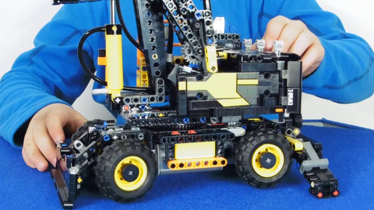 lego technic volvo ew 160e motor power functions motor. Black Bedroom Furniture Sets. Home Design Ideas