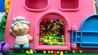 アンパンマンおもちゃアニメ 大きなよくばりボックスであそぼう 何が出るかな?Anpanman Minitoys & Stopmotion Big Box thumbnail
