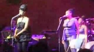 "Erykah Badu Live Performance, ""Twinkle,"" 5.10.08"