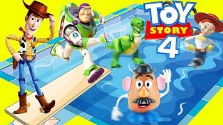 Woody and Buzz Last Day of School at Toy Story 4 Swimming Pool