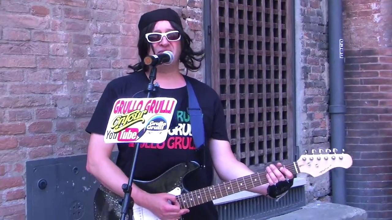 Grullo canta Live One Band U2 Bono Paul David Hewson Simulatore di Classic  Rock Bologna Grullata