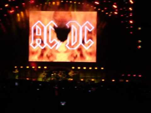 ac dc highway to hell live in s o paulo brazil 27 11 09 morumbi stadium youtube. Black Bedroom Furniture Sets. Home Design Ideas