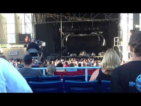 Shinedown live Molson Canadian Amphitheatre