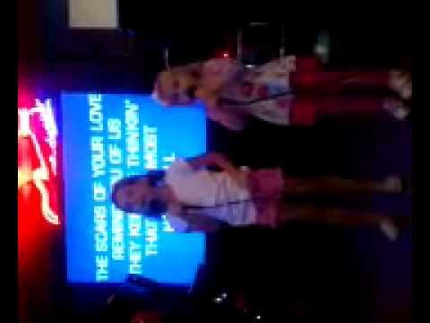 Ava and Aspen karaoke