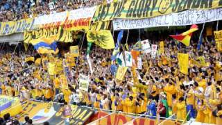 ベガルタ仙台 試合前の練習に臨む選手とサポーター 2011/04/23 @等々力...