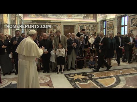 Pope greets Catholic families: Four crises are currently affecting Europe
