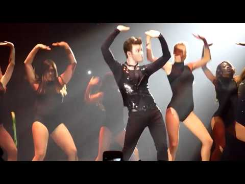 chris colfer dancing single ladies