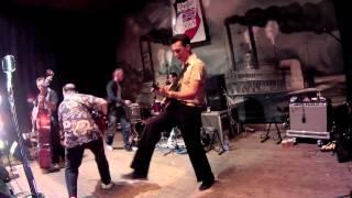 "Rockin up storm - ""Howlin"
