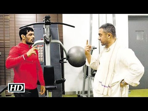Dangal: Aamir Khan learns wrestling from Sushil Kumar