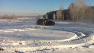 Audi Q7 по снежной целине