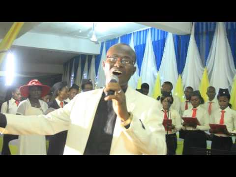 THE LORD JEHOVA SOLO BY REV EMMA. VOX ANGLICANA CHORALE OWERRI 2015 CONCERT