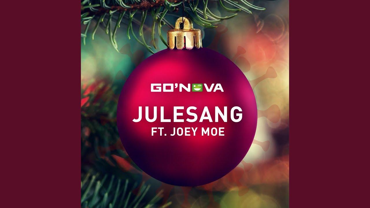 Julesang (feat. Joey Moe)