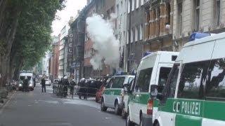 Polizei räumt Haus in Kölner Moselstraße am 26.07.2011