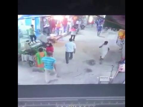 gas cylinder blast inside a shop in munirka(new delhi)