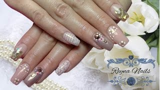 uñas elegantes en tono nude efecto espejo reyna nails