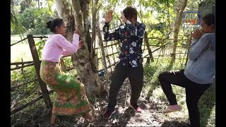 វគ្គ អាតែវយកក្បាលជ្រូកជូនគ្រូក្បាលវែក   Best Comedy   Khmer Comedy   សម្ដែងដោយ ក្រុម គង់ យូរ
