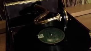 Gramola 203 de luxe plays Lud Gluskin