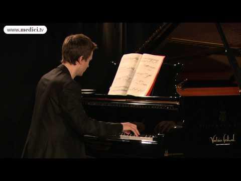 Alexandre Tharaud - Claude Debussy - La Danse de Puck