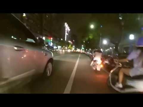 三寶違規紅燈右轉