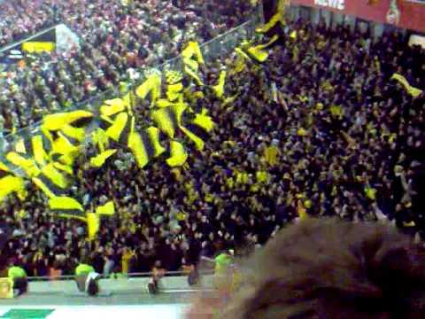 BVB Borussia Dortmund - Köln 17.01.10 Konfetti