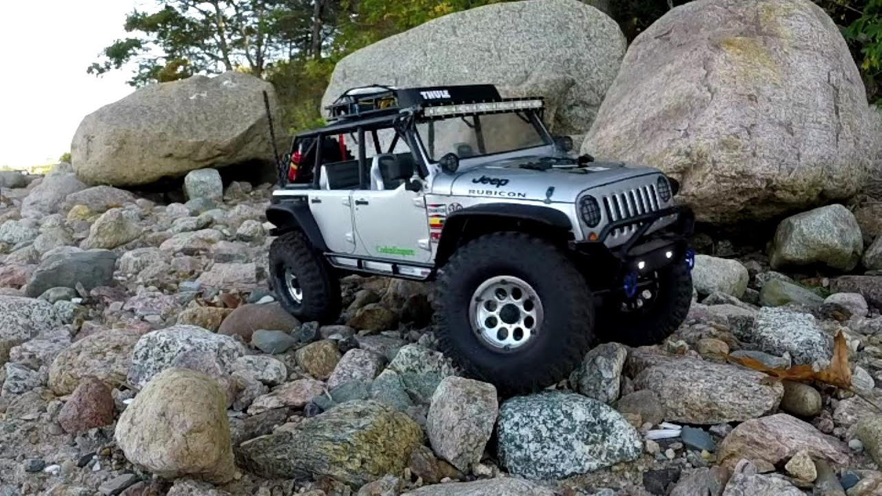 Axial Scx10 Jeep Wrangler 4x4 Beach Rock Crawling Youtube