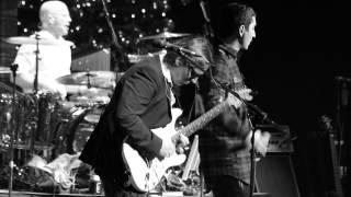 "EKO FRESH feat. BRINGS - ""Es brennt"" LIVE HD @Koeln 07/12/2014"
