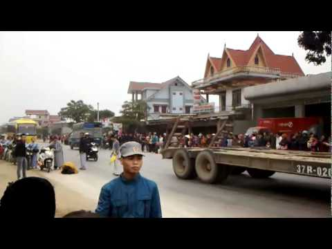 Thầy Thích Tâm Mẫn nhất bộ nhất bái đến Cty Minh Phú Diễn Châu Nghệ An(XT800W)